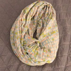 Accessories - Triangle Patterned Infinity Scarf